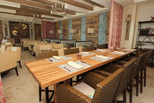 Beach club restaurant 2
