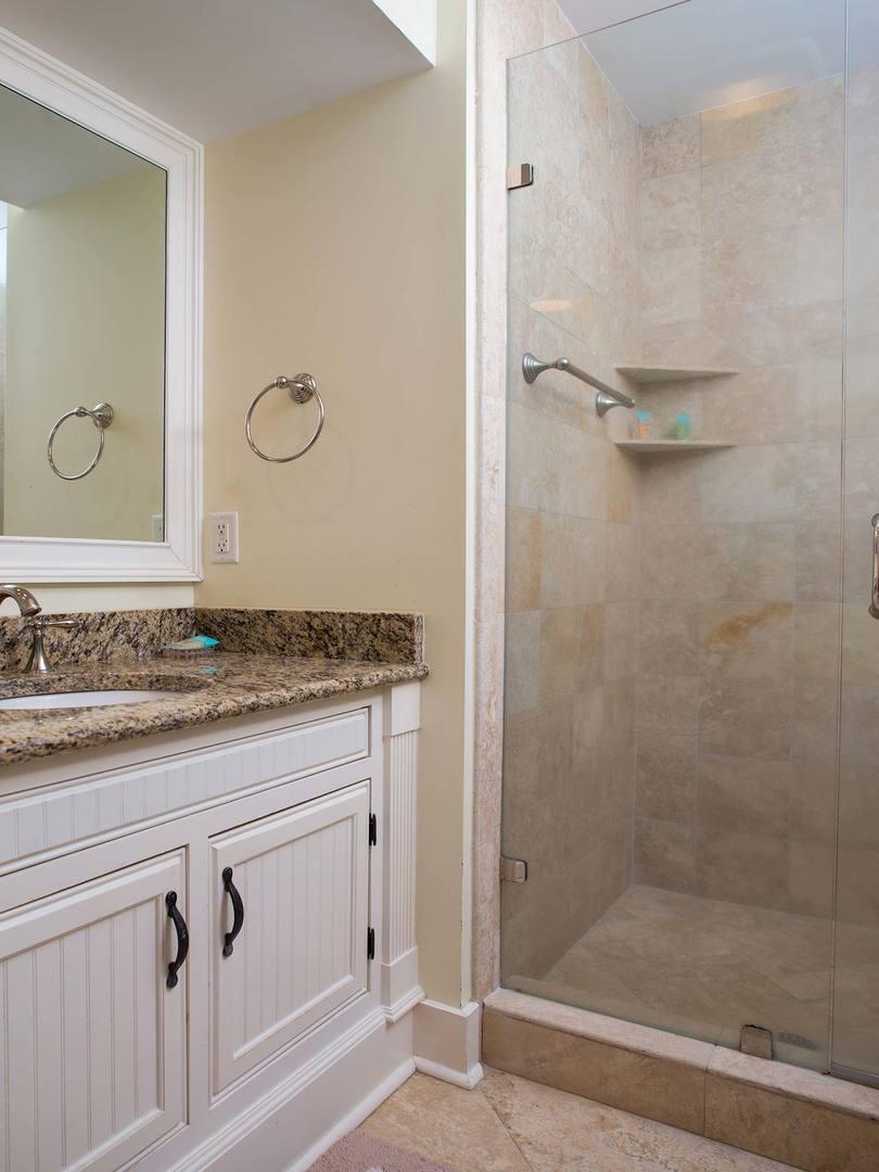 King Bathroom- Level One | Royal Dream