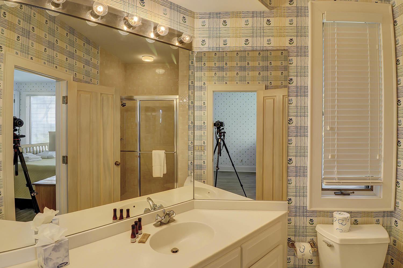 Guest King Bathroom | Sandpiper