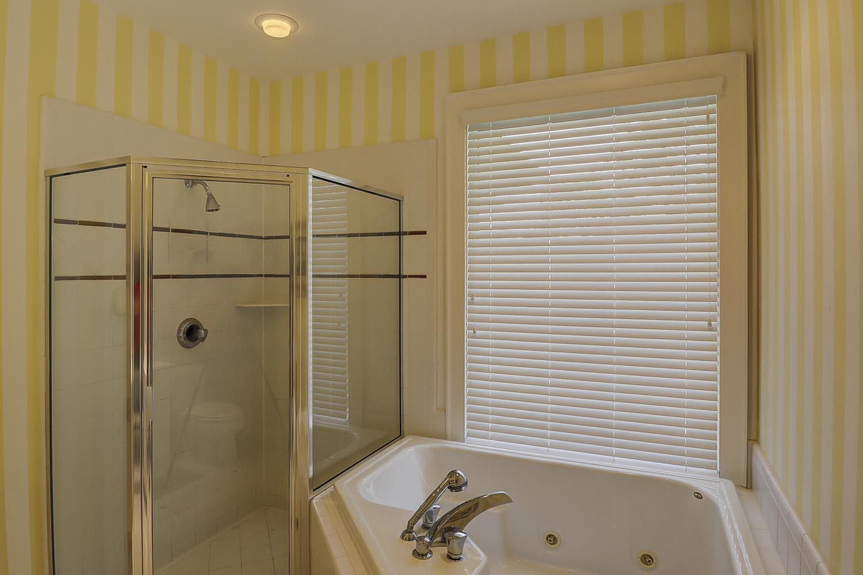 Top Floor Guest King Bath | Sandpiper