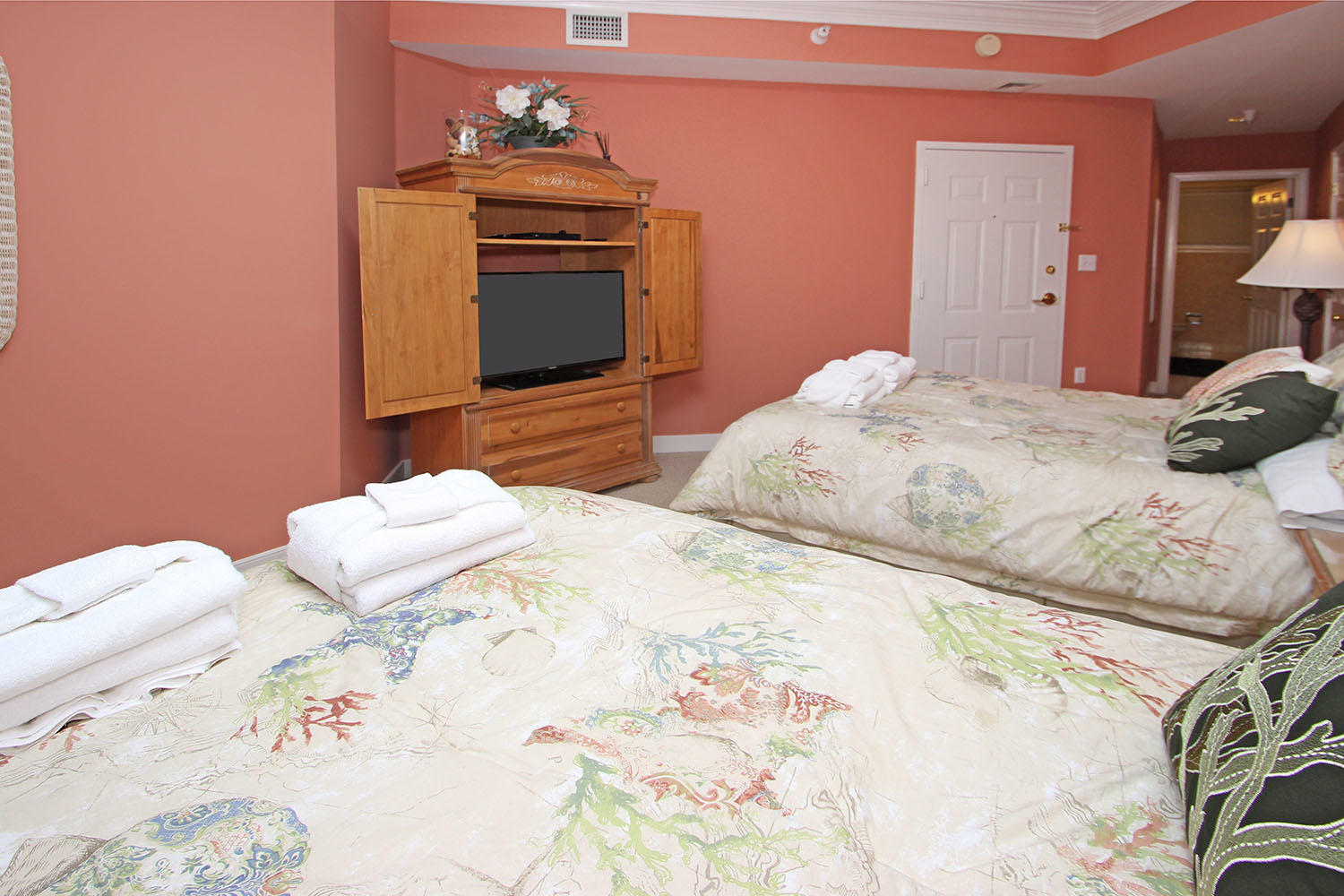 Guest BR with two double beds