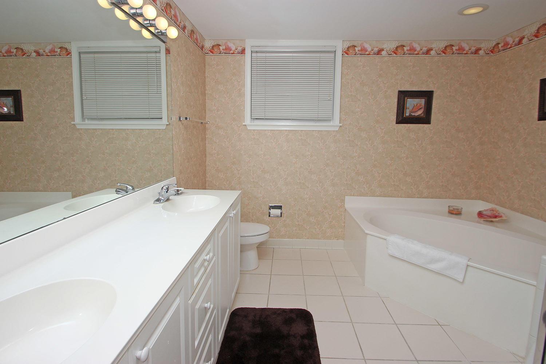 Bath for double bedroom