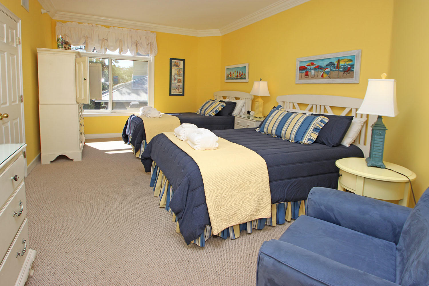 Guest BR with two queen beds