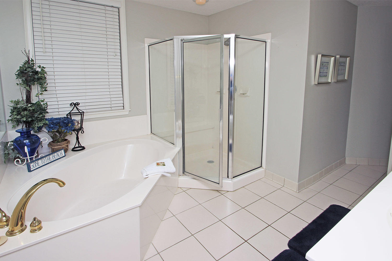 Bath for king bedroom
