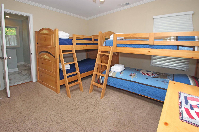Bunk bedroom - 2nd level