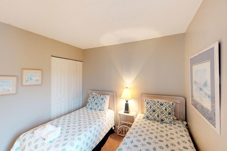 Twin Guest Bedroom