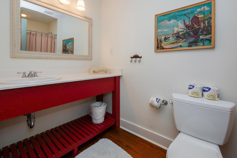 Bath for queen BR - 2nd floor | Vacationin