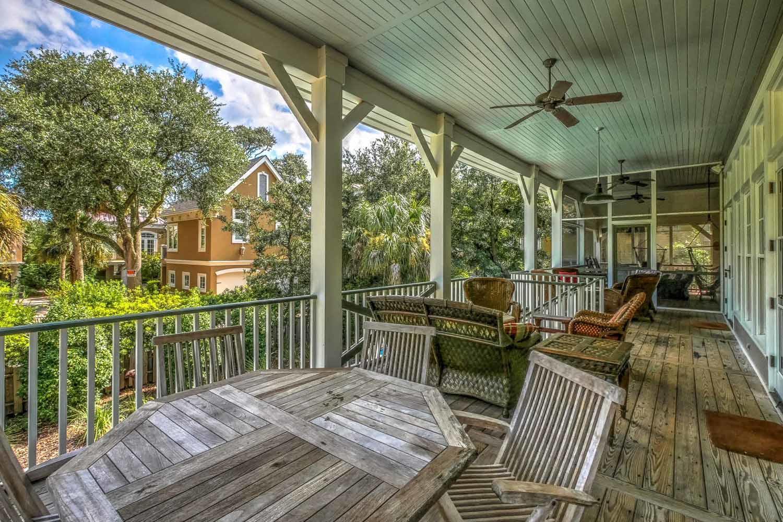 Balcony off living area | Vacationin