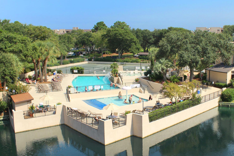 Island Club pool complex