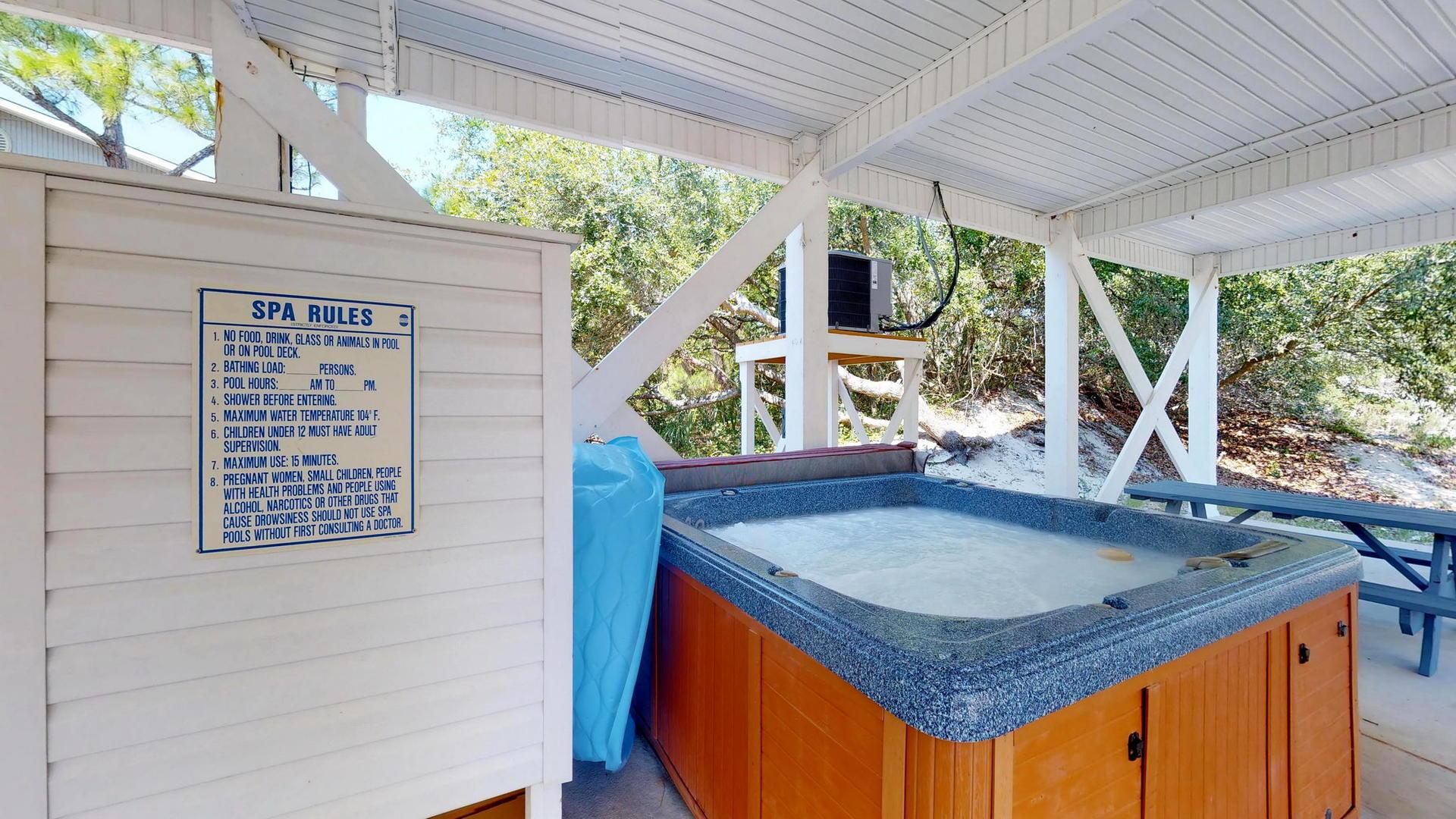 Relaxing Hot Tub an Outdoor Shower
