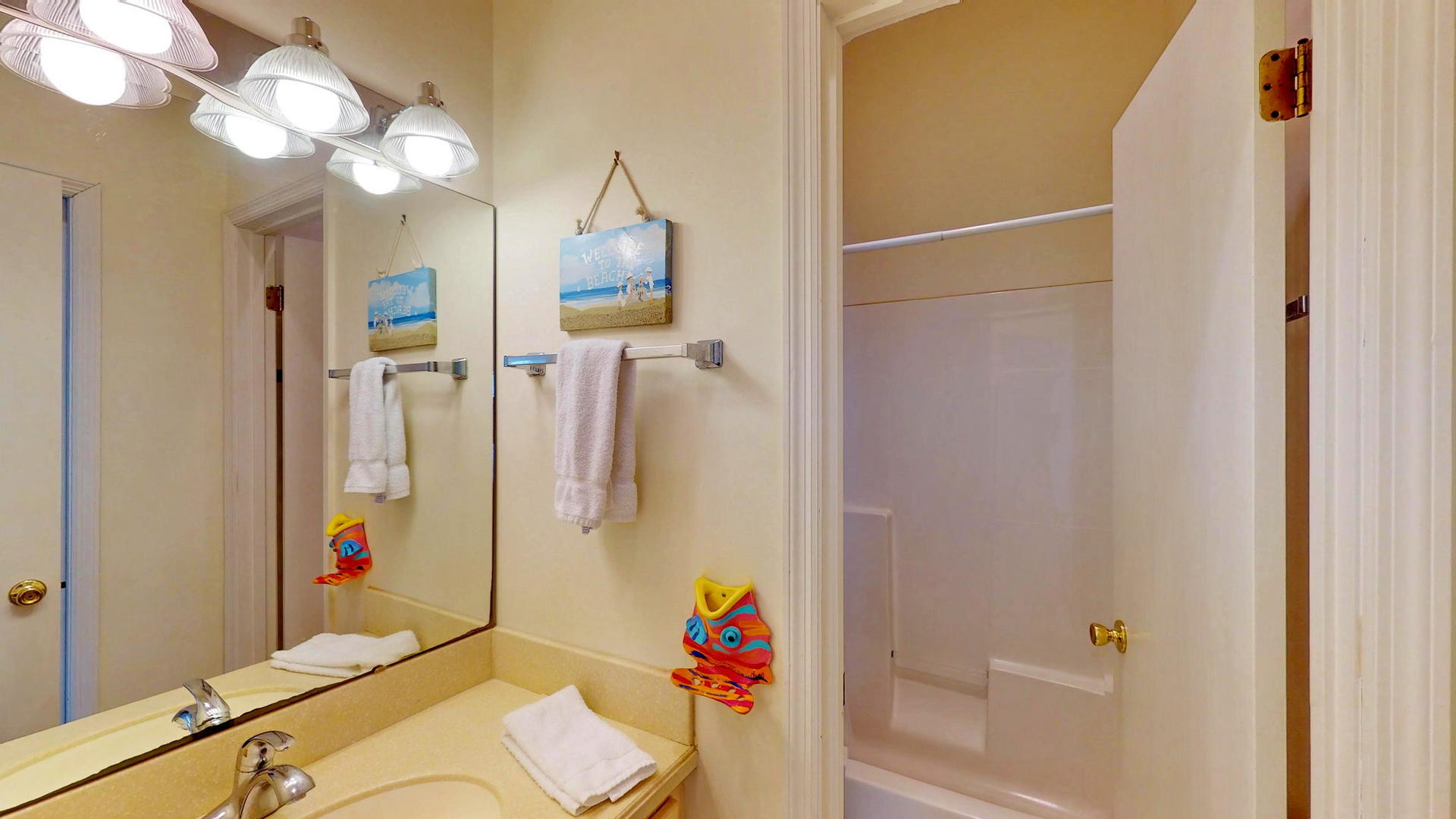 Level 1 Shared Bath, Conects to Twin Suite