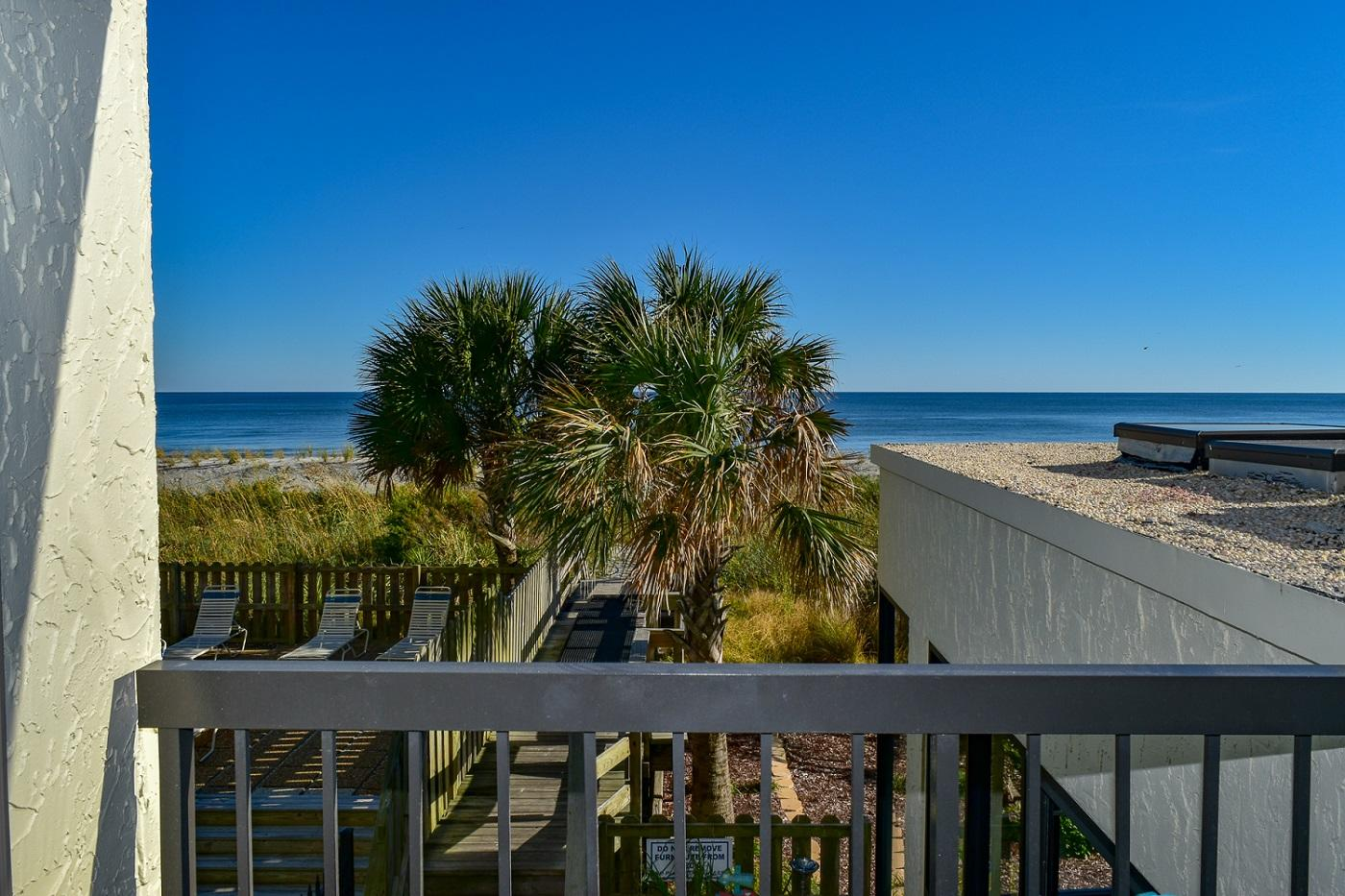 Waterpointe I 203 | Photo