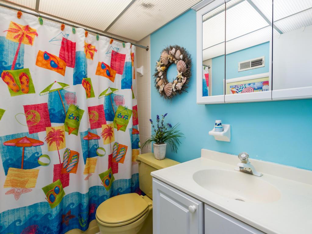Mooring, 102 - Second Bathroom