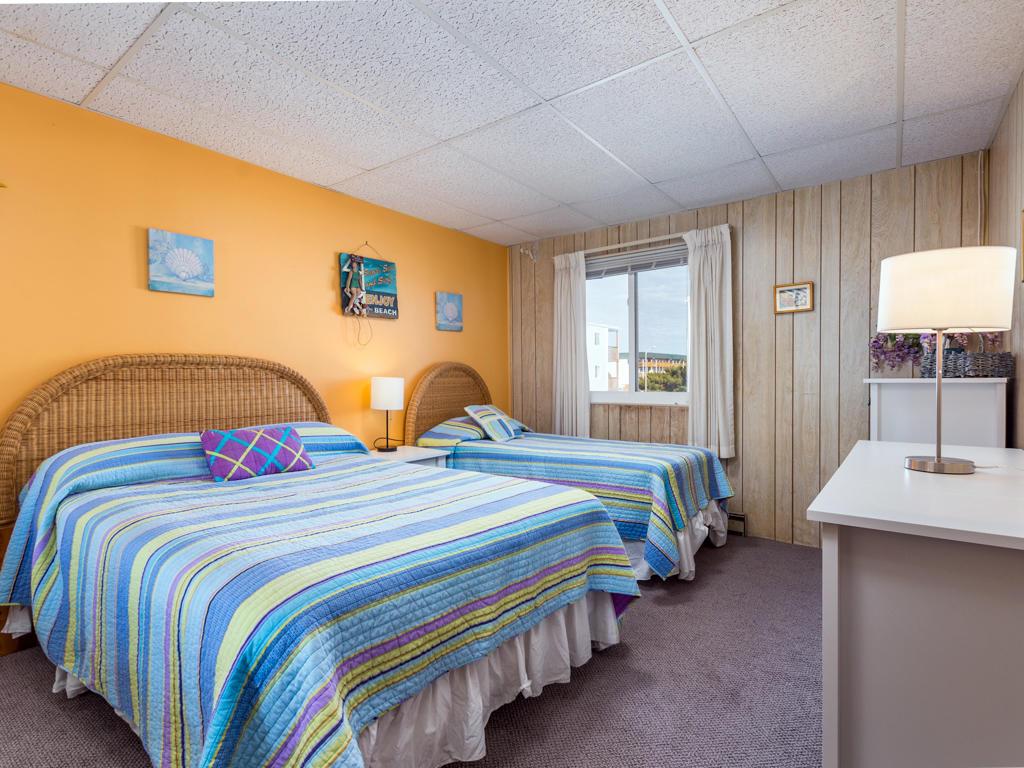 Summer Winds D204 - Bedroom 1