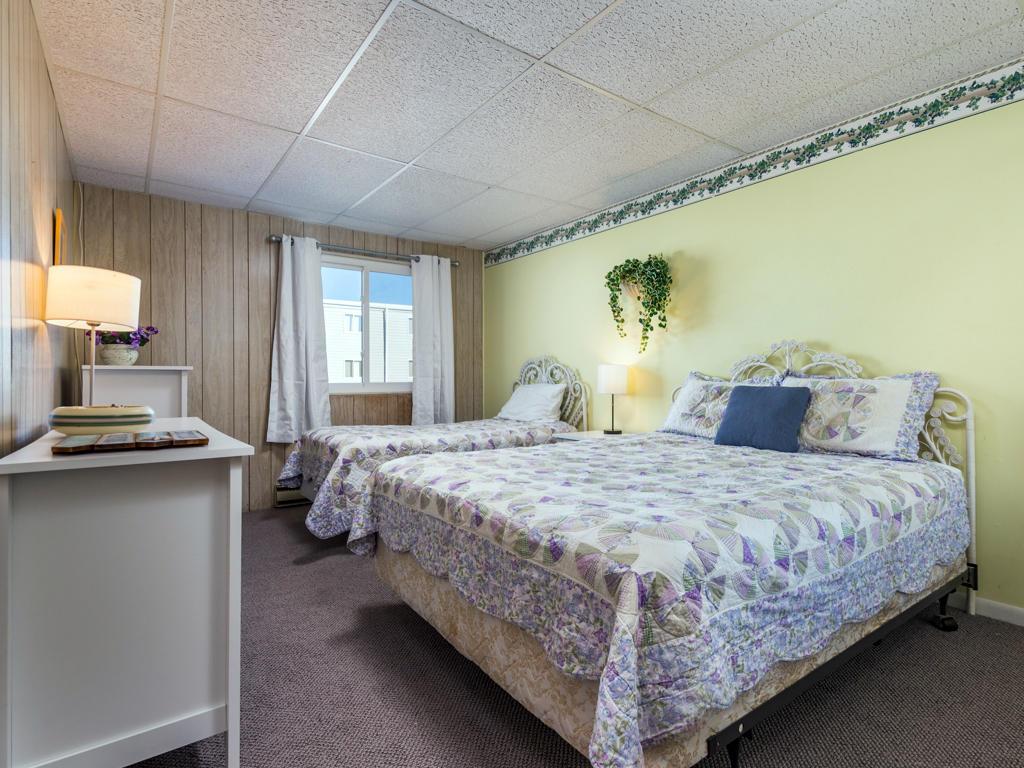 Summer Winds D204 - Bedroom 2