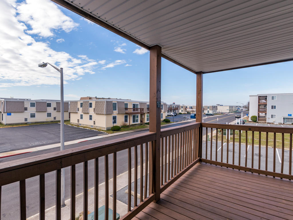 Summer Winds D204 - Balcony Area