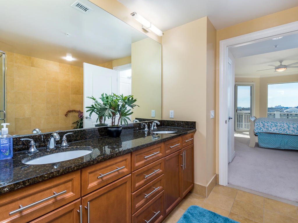 Gateway Grand, 502 - Master Bathroom