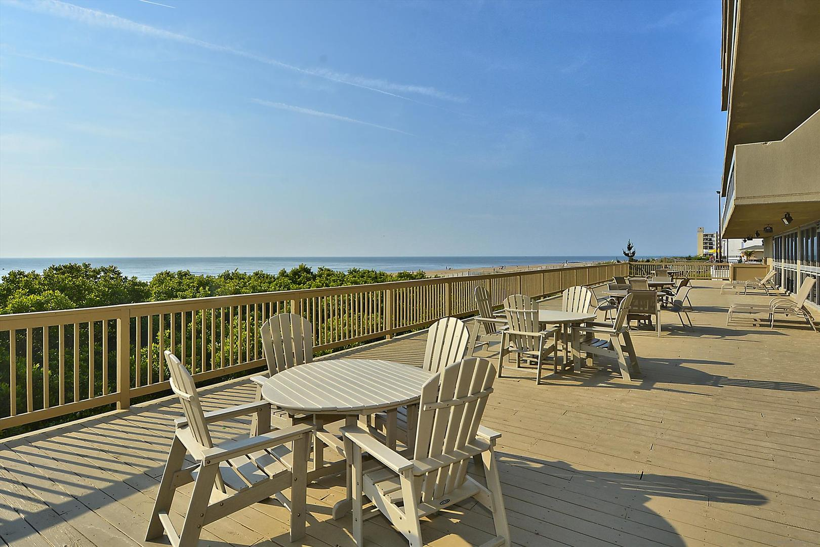 Century I - Oceanfront Sun Deck