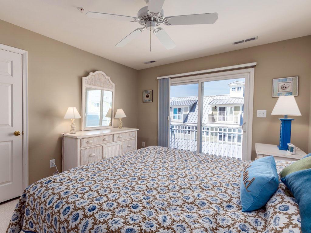 6 Corner Store Lane - Top Floor Bedroom