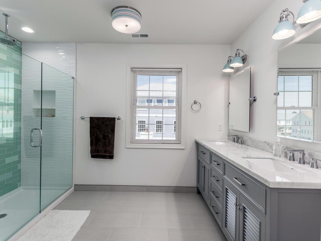 Cape Windsor - Second Bathroom