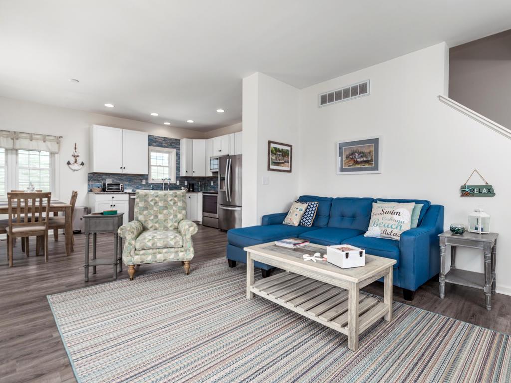 Cape Windsor - Living Room