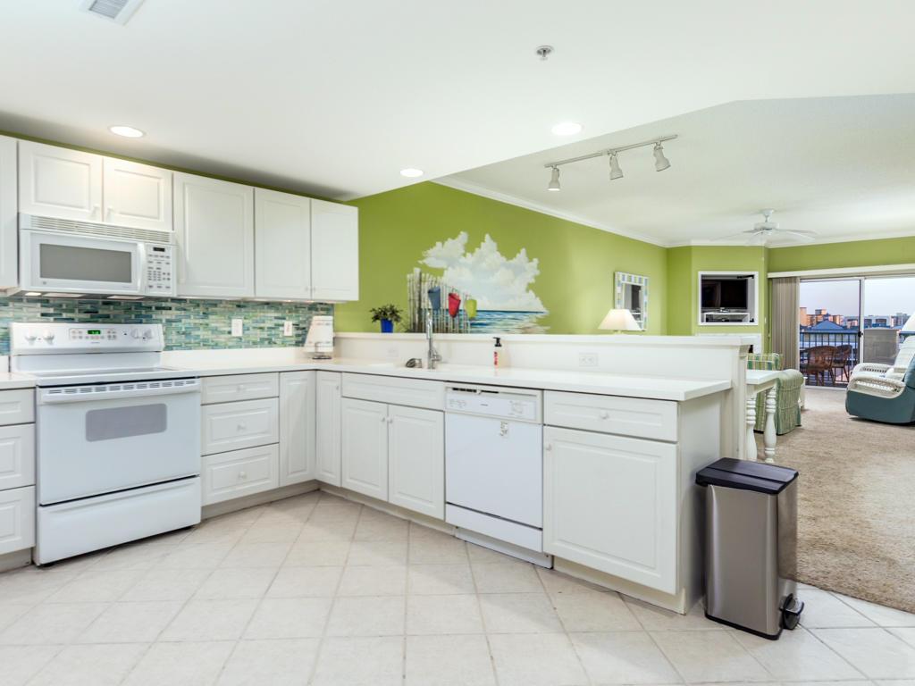 Avalon, 603 - Kitchen
