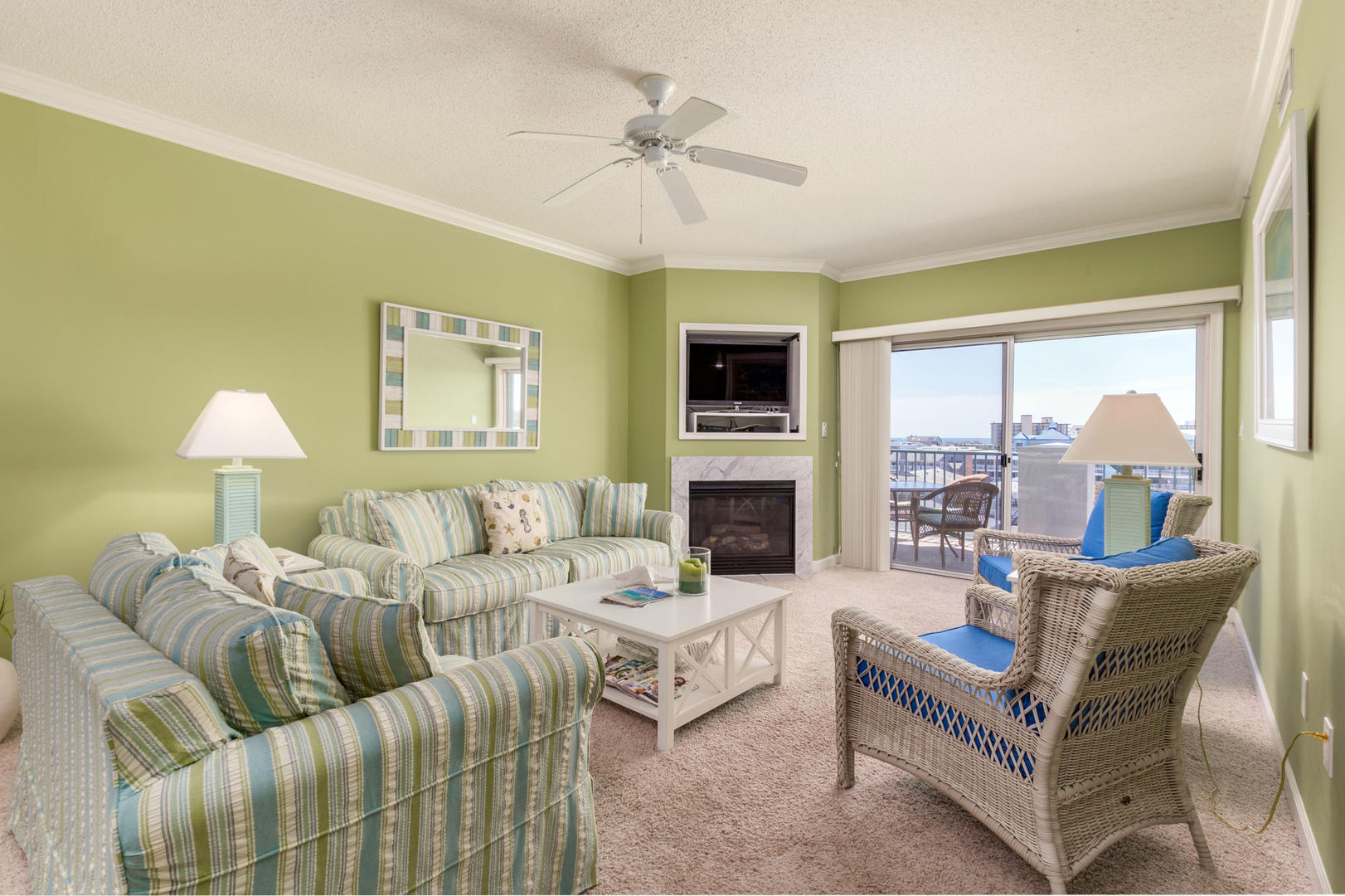 Avalon 603 - Living Room