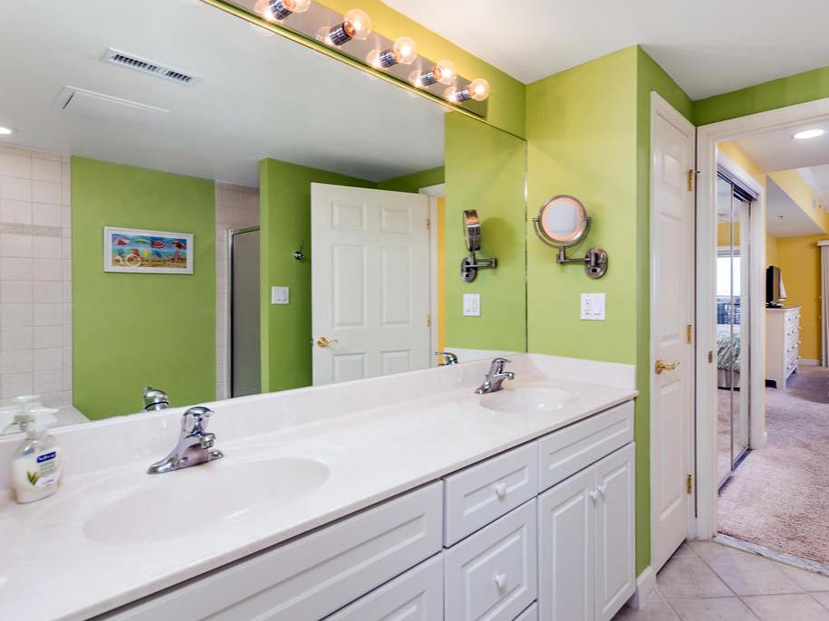Avalon 603 - Master Bathroom