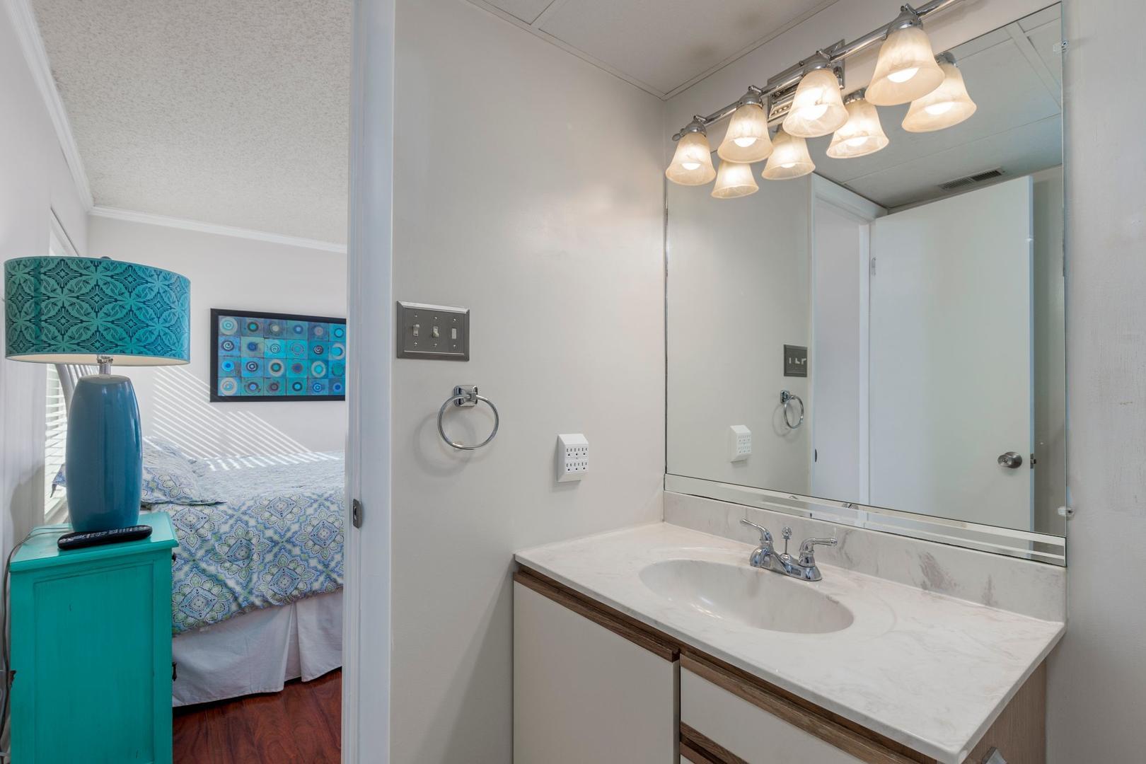 Surfcaster 401 - Master Bathroom