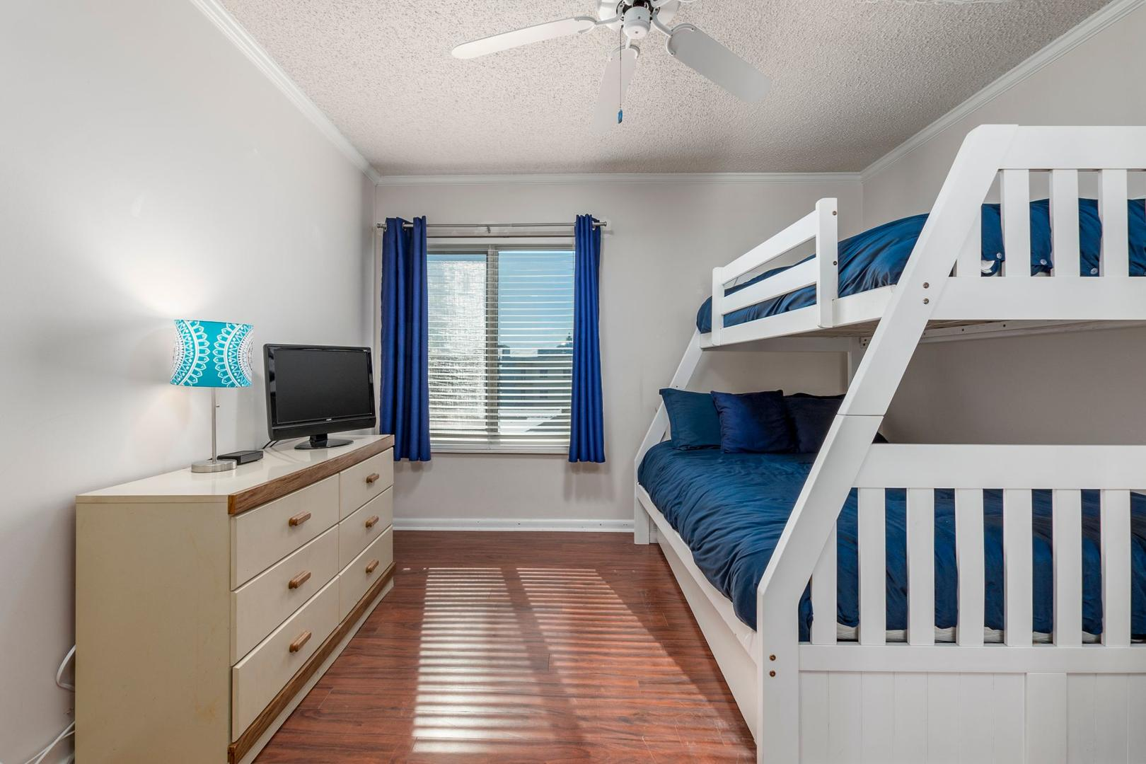 Surfcaster 401 - Bedroom 2