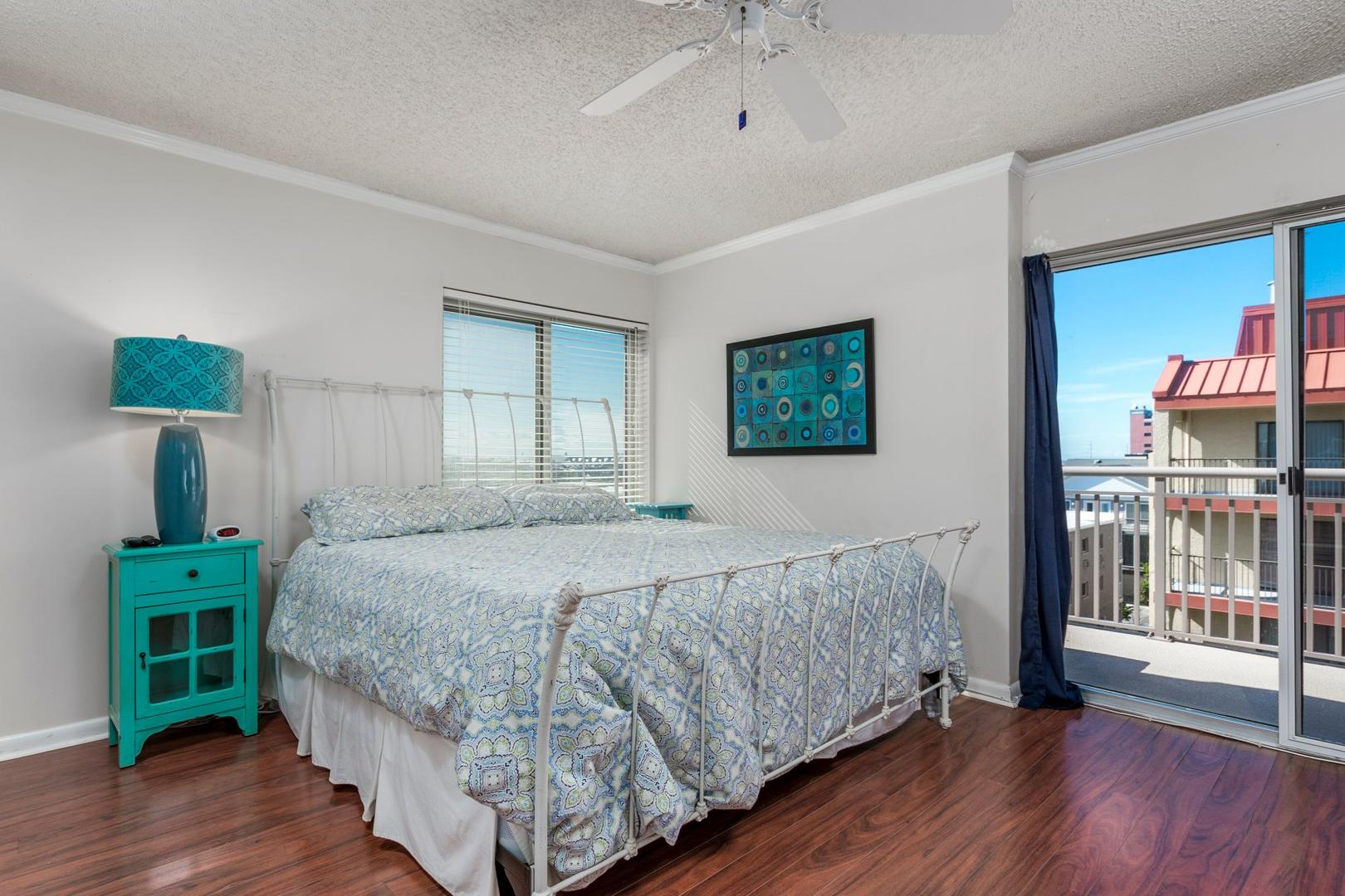 Surfcaster 401 - Master Bedroom
