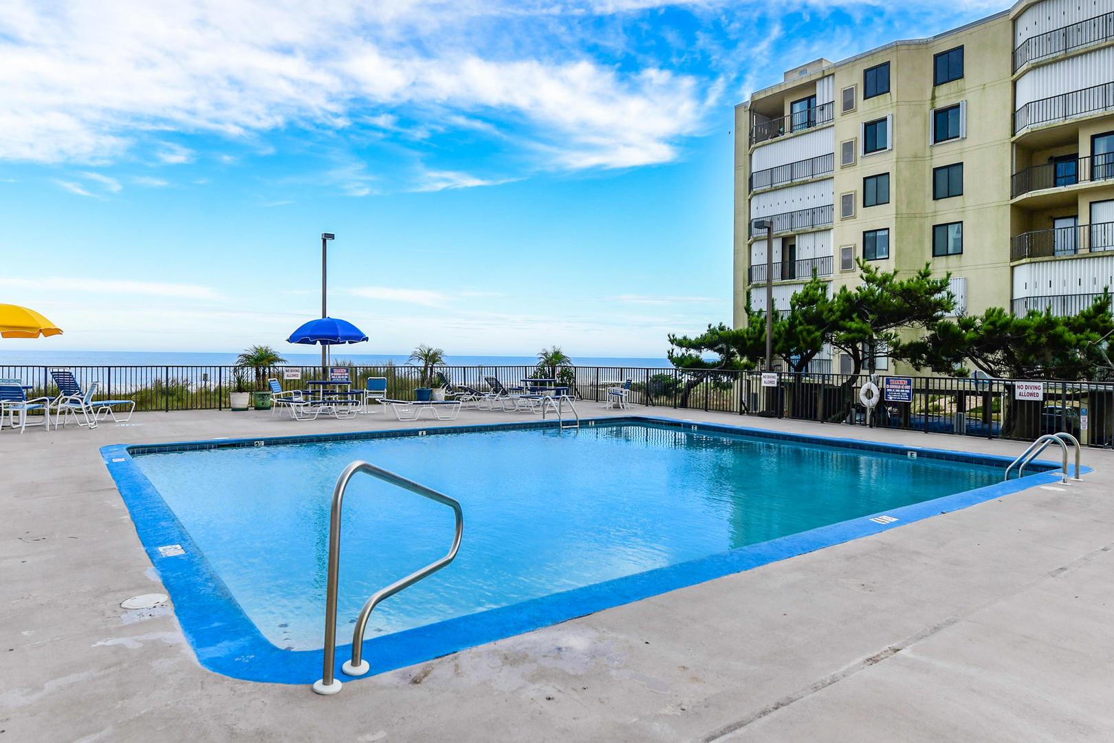 9400 Building Outdoor Pool (open seasonally)