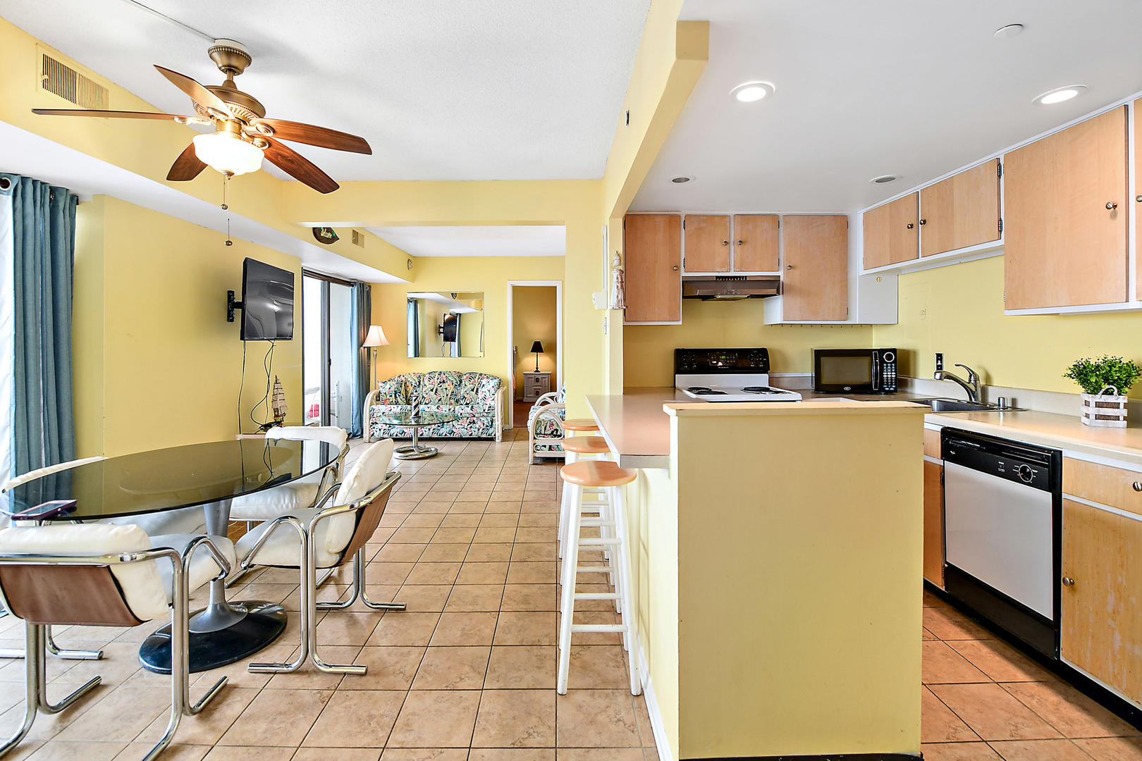 9400 Building Unit 701 - Kitchen and Dining Area