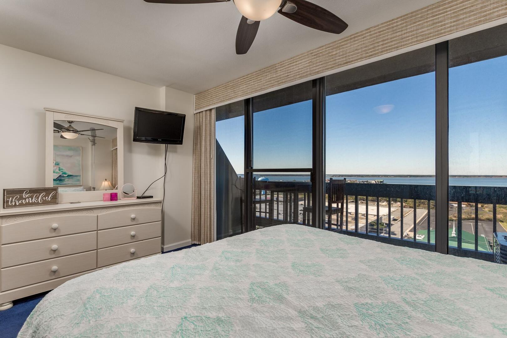 Downstairs Bay Side Bedroom - Century I 1612
