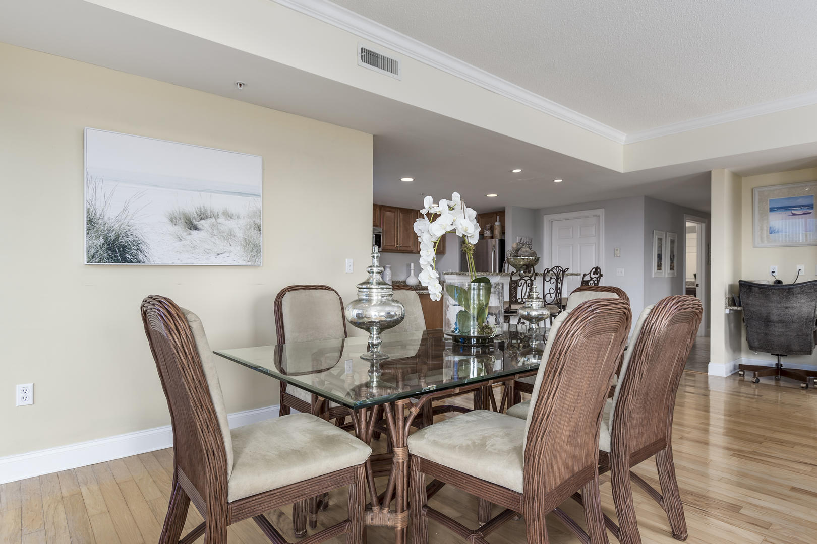 Ocean Bliss, 404 - Dining Area