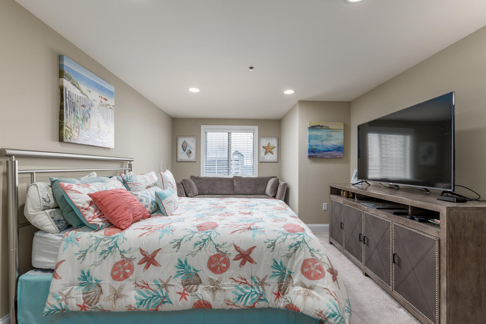 68 - Ocean Bliss, 404 - Third Bedroom