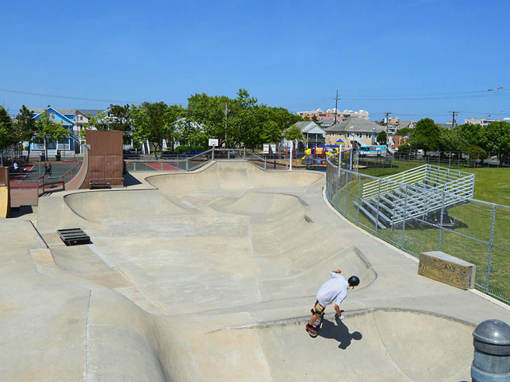 Close to Ocean City Skate Park (3 blocks)