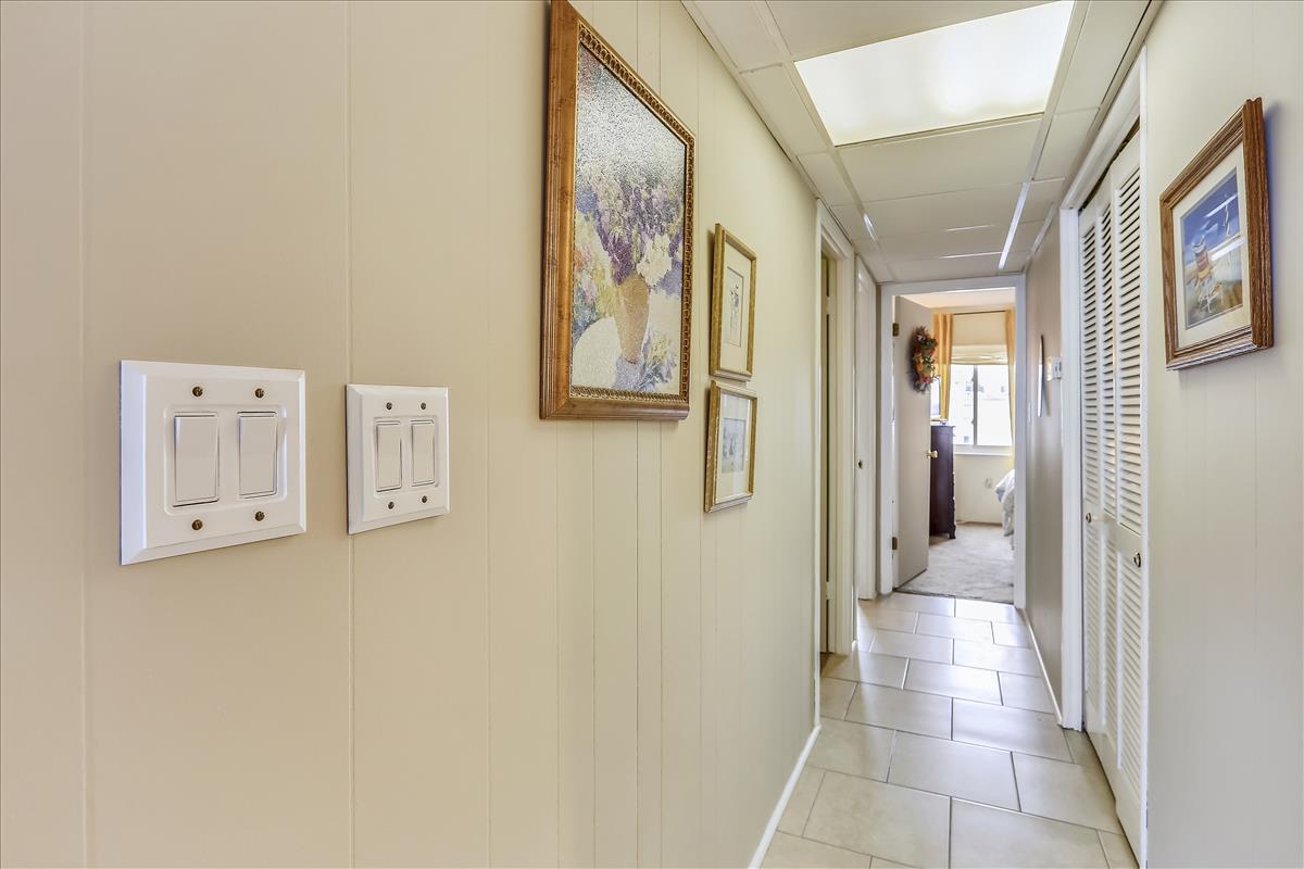 Starfish V 303 - Hallway