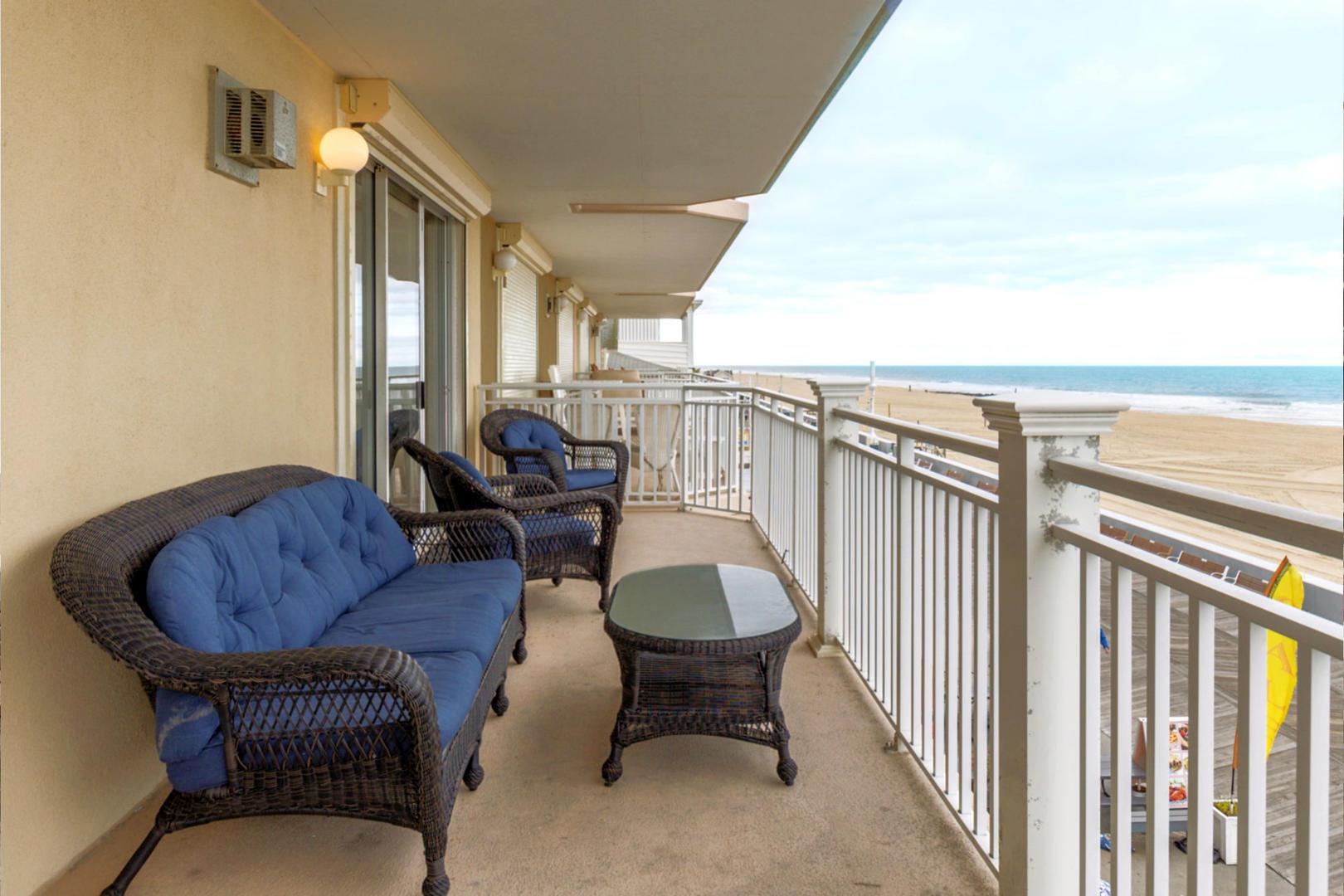 Oceans Mist 301 - Balcony