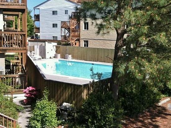 Lost Colony Outdoor Pool (open seasonally)