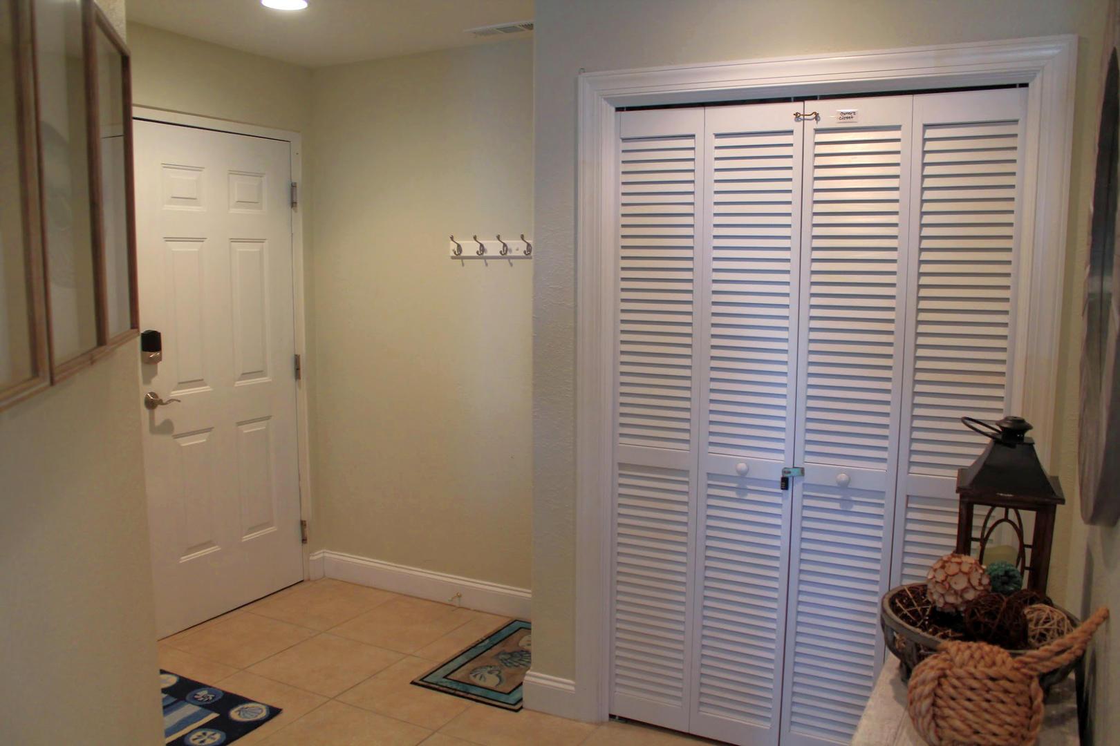 4100 Oceanside Condos 405 - Foyer