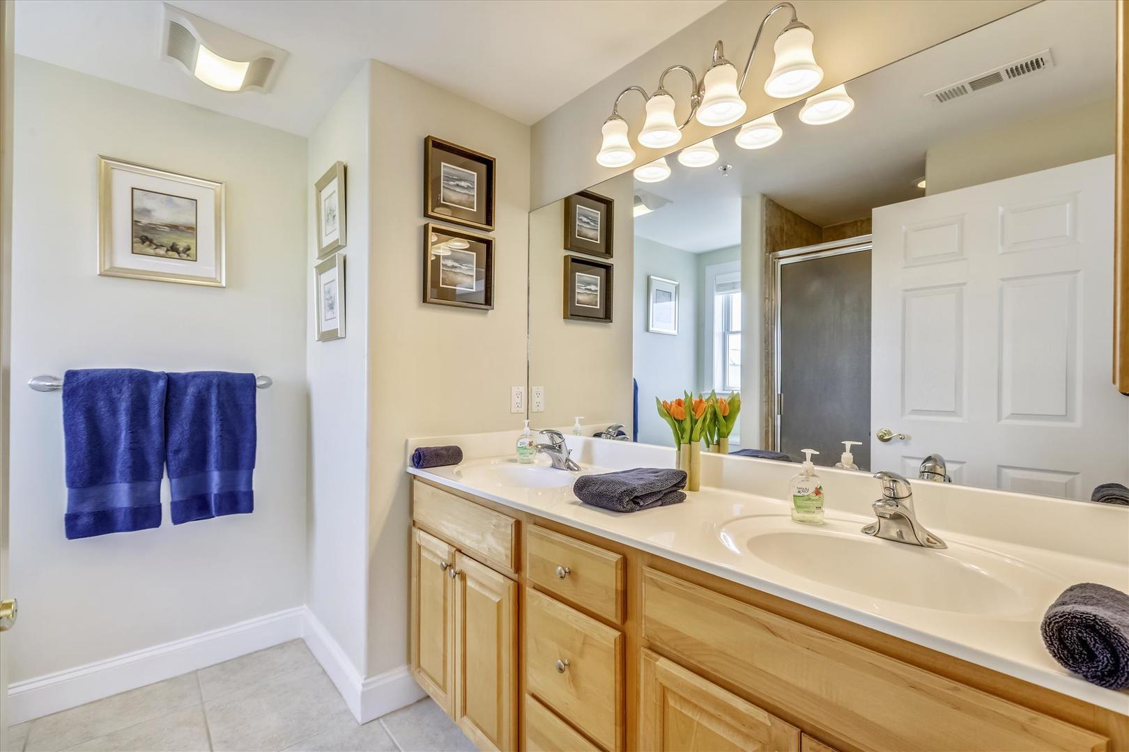 4100 Oceanside Condos 405 - Master Bathroom