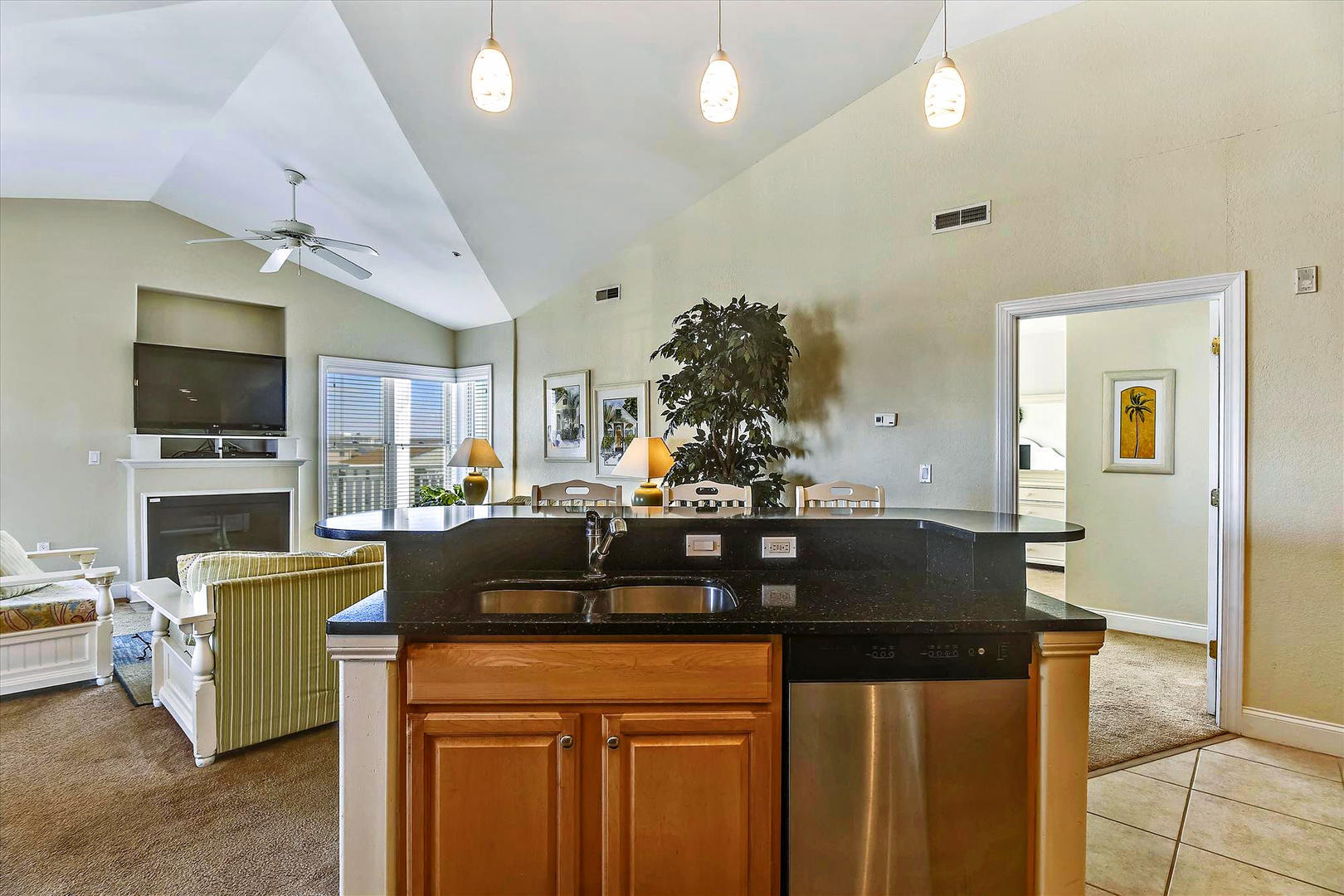 4100 Oceanside Condos 405 - Kitchen