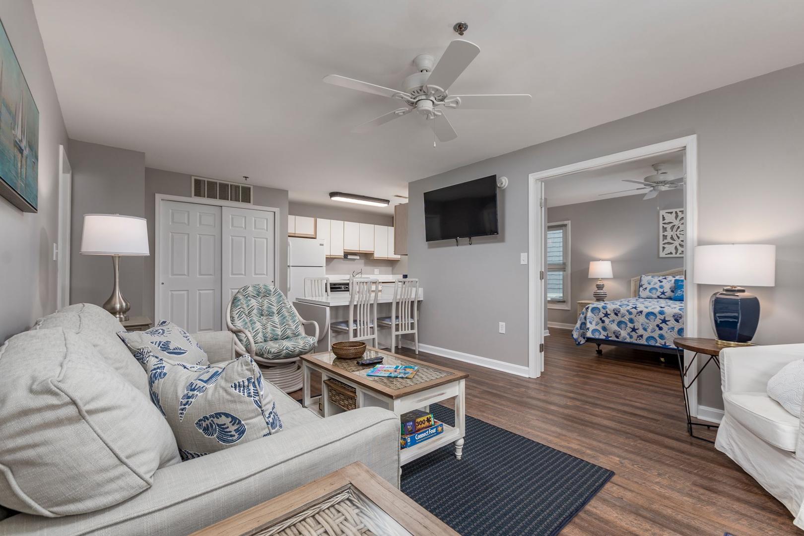 Harbour Club 8E - Living Room