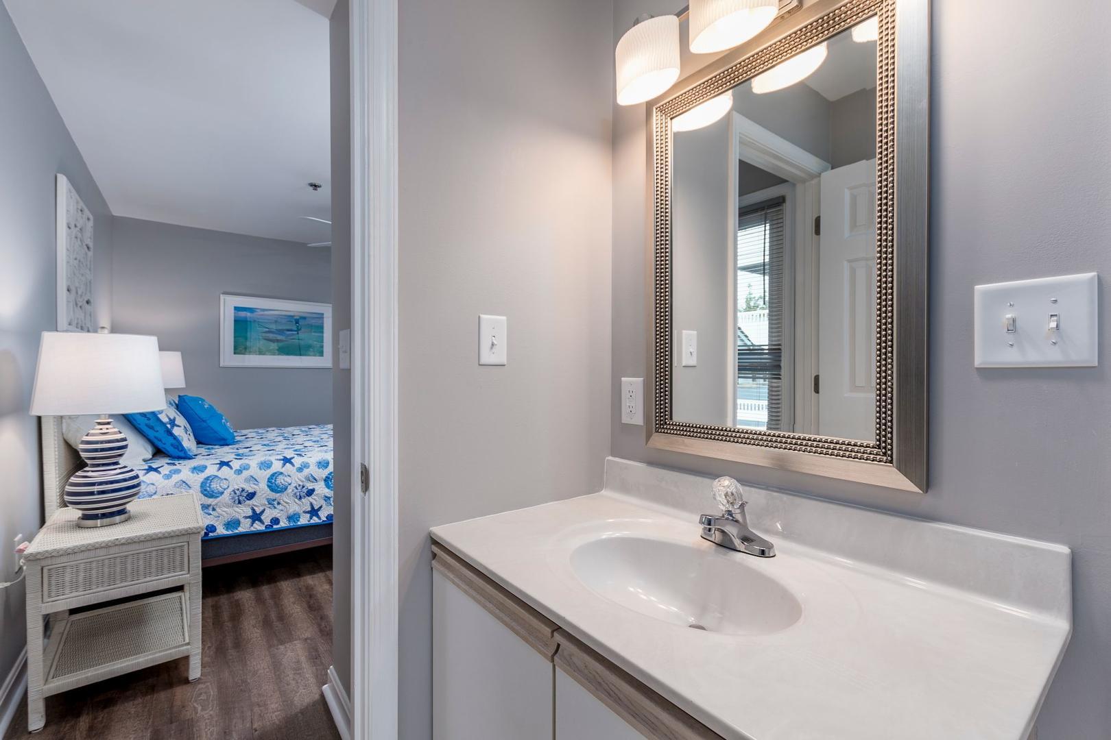 Harbour Club 8E - Bathroom 1