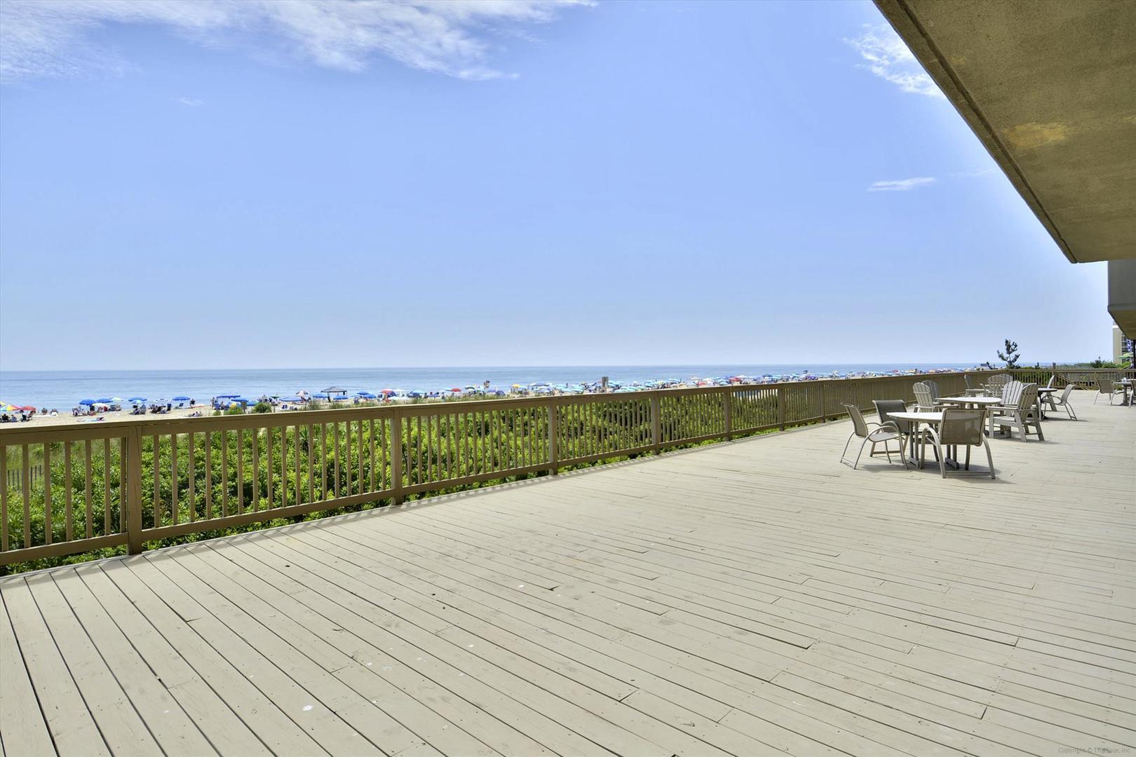 Century I - Beachfront Deck