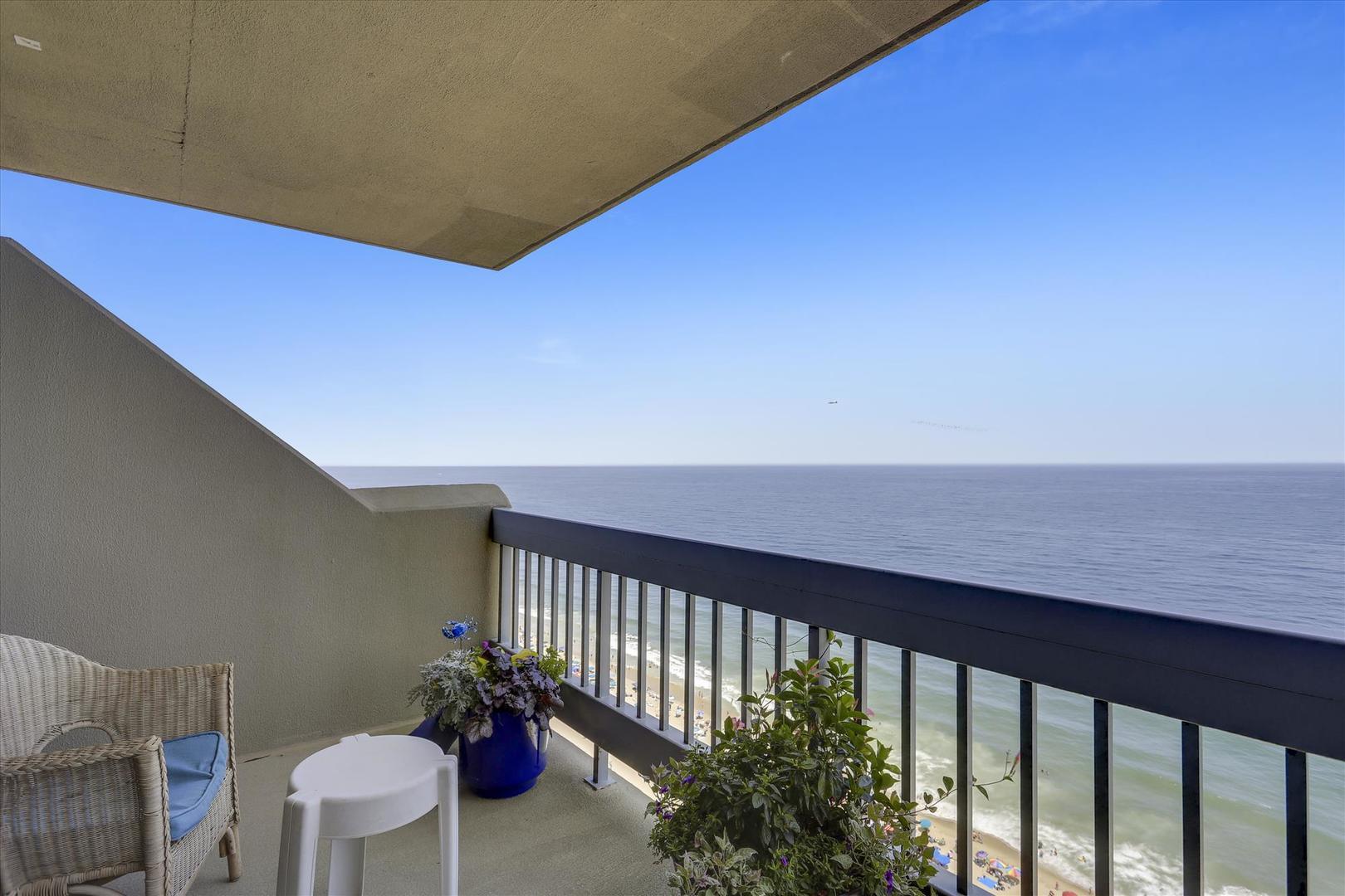 Century I 2221 - Oceanfront Balcony