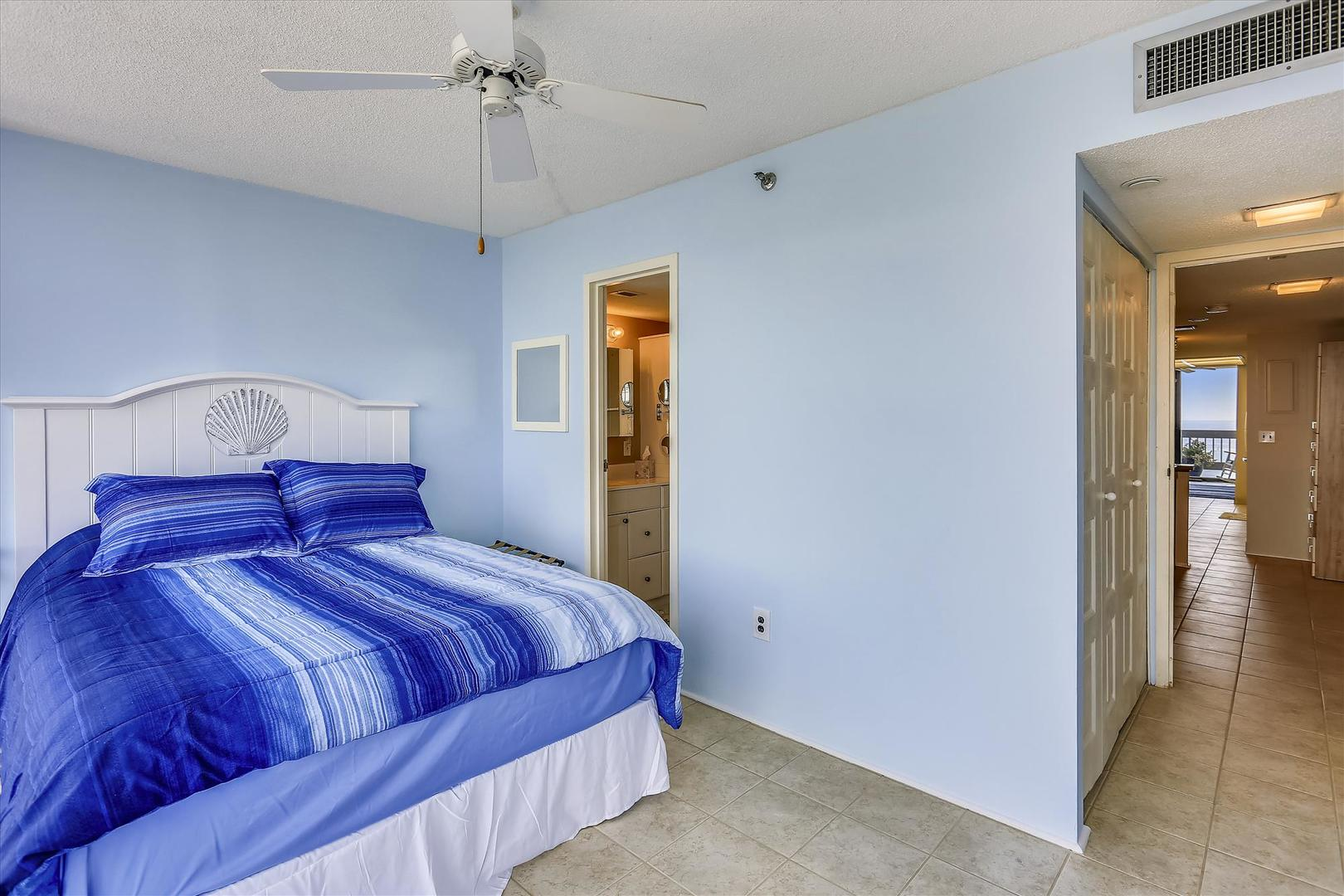Century I 2221 - Upper Level Bedroom