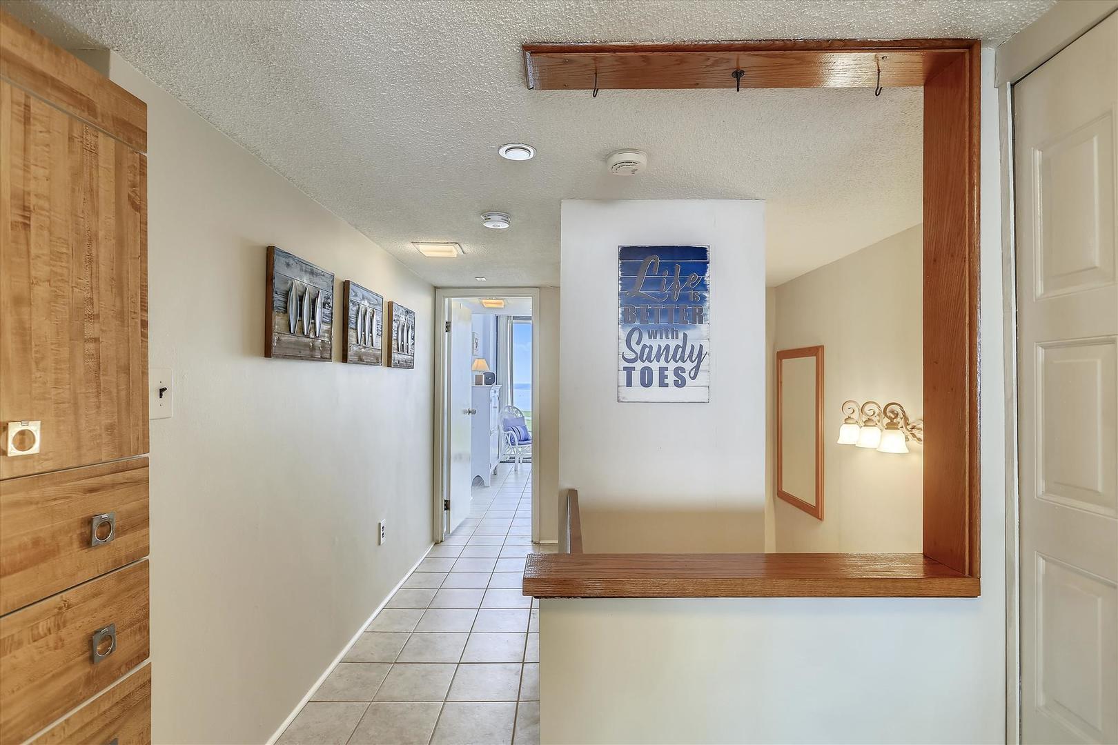 Century I 2221 - Hallway