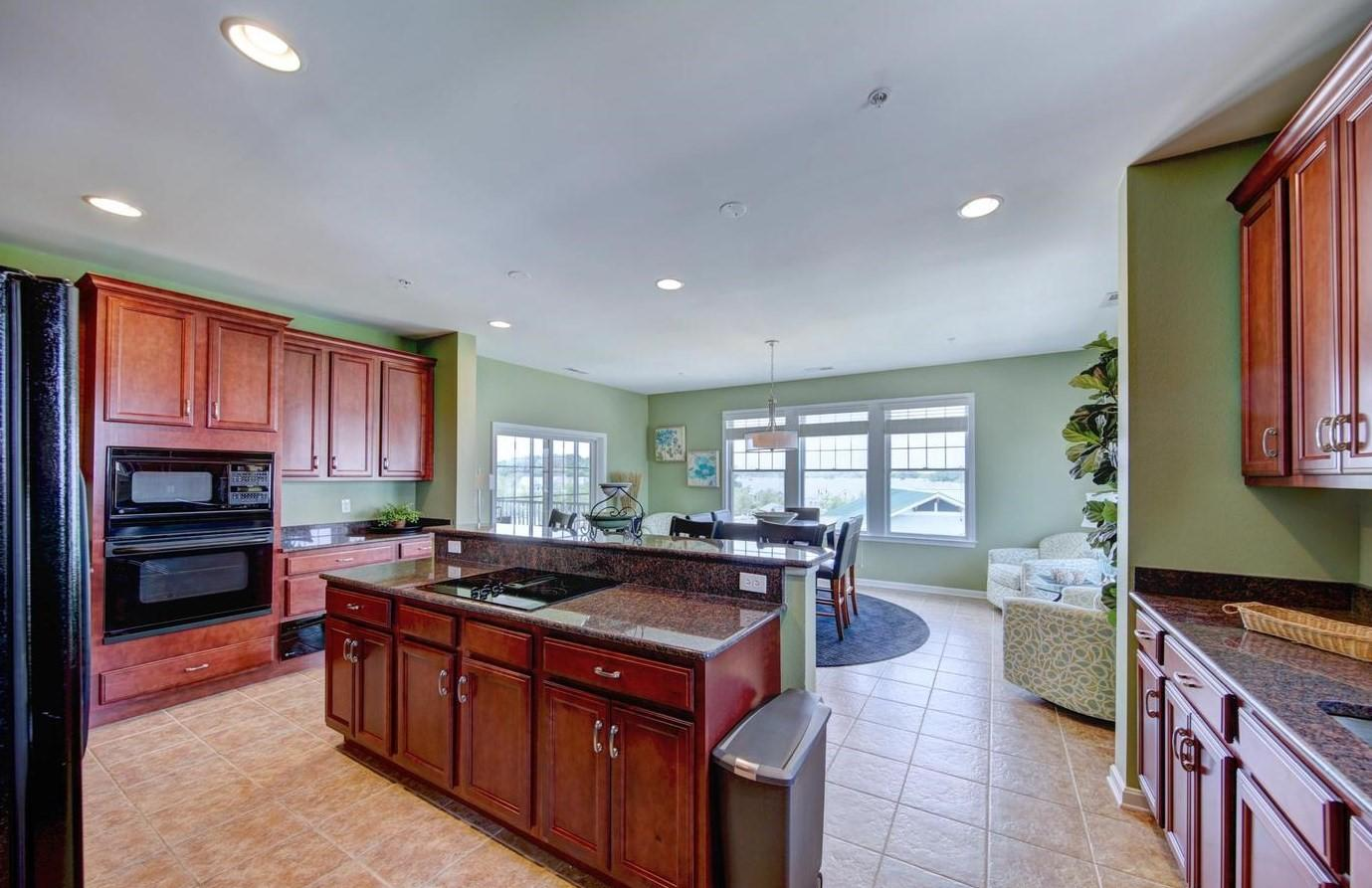 Bayside 204B - Kitchen